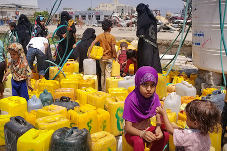 water distribution to Yemen people